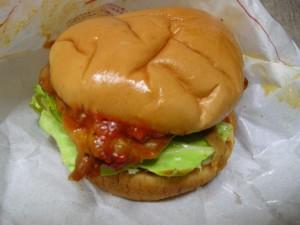 辛味噌チキンバーガー(3)